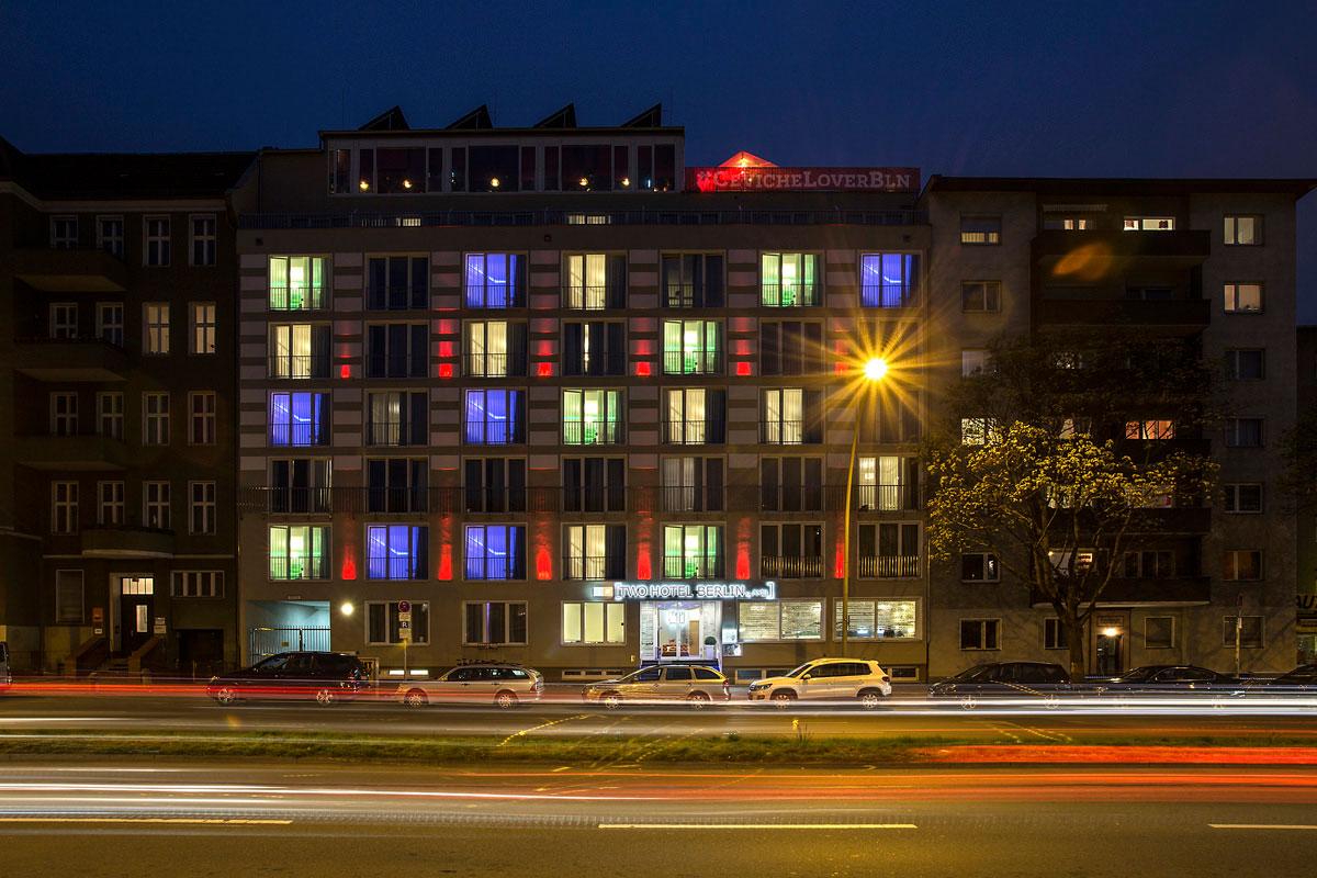 Two Hotel By Axel Berlin Manner Unterwegsmanner Unterwegs