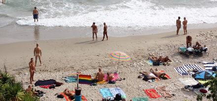 schwuler Urlaub Sitges gay schwul Reise Hotel Strand