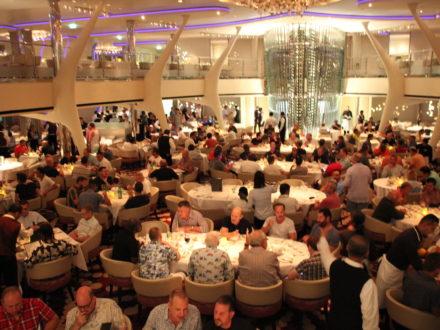schwule Kreuzfahrt gay cruise Restaurant