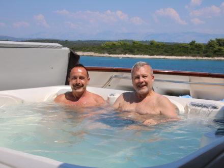 Yacht schwule Kreuzfahrt Kroatien Jacuzzi