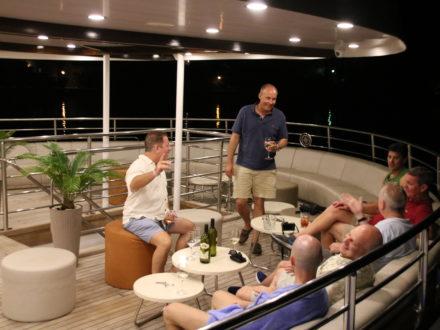 Yacht schwule Kreuzfahrt Kroatien Terrasse