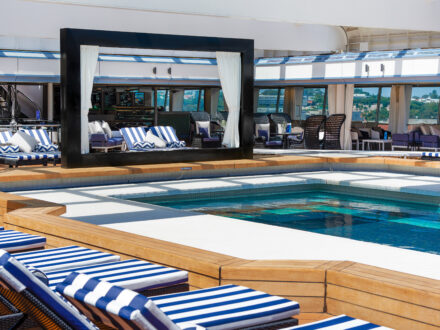 Lido Pool Vasco da Gama schwule Kreuzfahrt